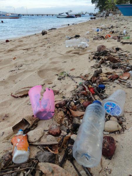Garbage on Pantai Pangalisang