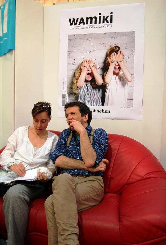 Michael Fink mit Autorin auf unserem Roten Sofa