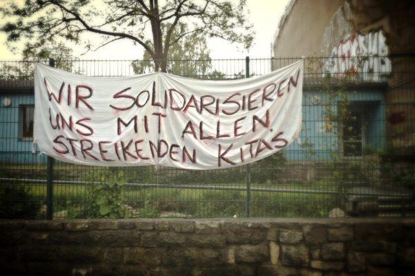 Die Berliner Kita am Hirschhof im Prenzlauer Berg ist mit den Kollegen im Land solidarisch!