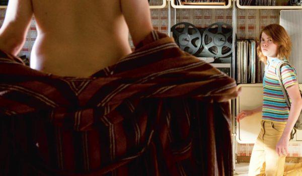 """Nah, nein, vielleicht """"Die Auserwählten"""" – Christoph Röhls Spielfilm[1] über die sexuelle Ausbeutung von Schülerinnen und Schülern an der Odenwaldschule in den Jahren von 1960 bis 2010 bewog Prof. Dr. Jürgen Zimmer zu folgenden Anmerkungen."""