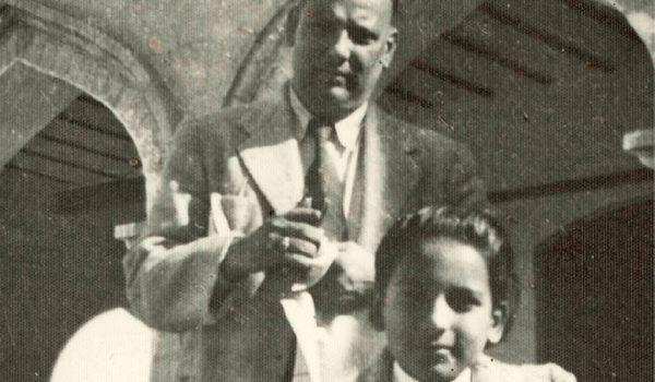 Religion, Macht und Gewalt Salman Ansari kommt als junger Inder Ende der 1950er Jahre zum Studium nach Deutschland. Über 50 Jahre später analysiert er nicht nur seine neue Heimat scharf, er hinterfragt auch seine islamischen Wurzeln.
