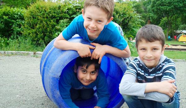 Im Zweifel für die Kinder Ein Hort in Plauen und Pädagog_innen, die den Herausforderungen vieler neuer fremdsprachiger Kinder gemeinsam zu Leibe rücken.