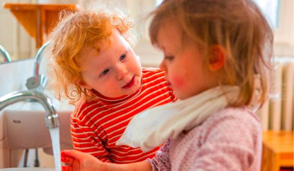 Toddler Style Wie Kleinkinder ihre sehr eigene Kultur entwickeln, wie wir diese wahrnehmen und unterstützen können, ist Teil eines ganz besonderen neuen Buches, welches im Januar 2021 bei wamiki erscheint.
